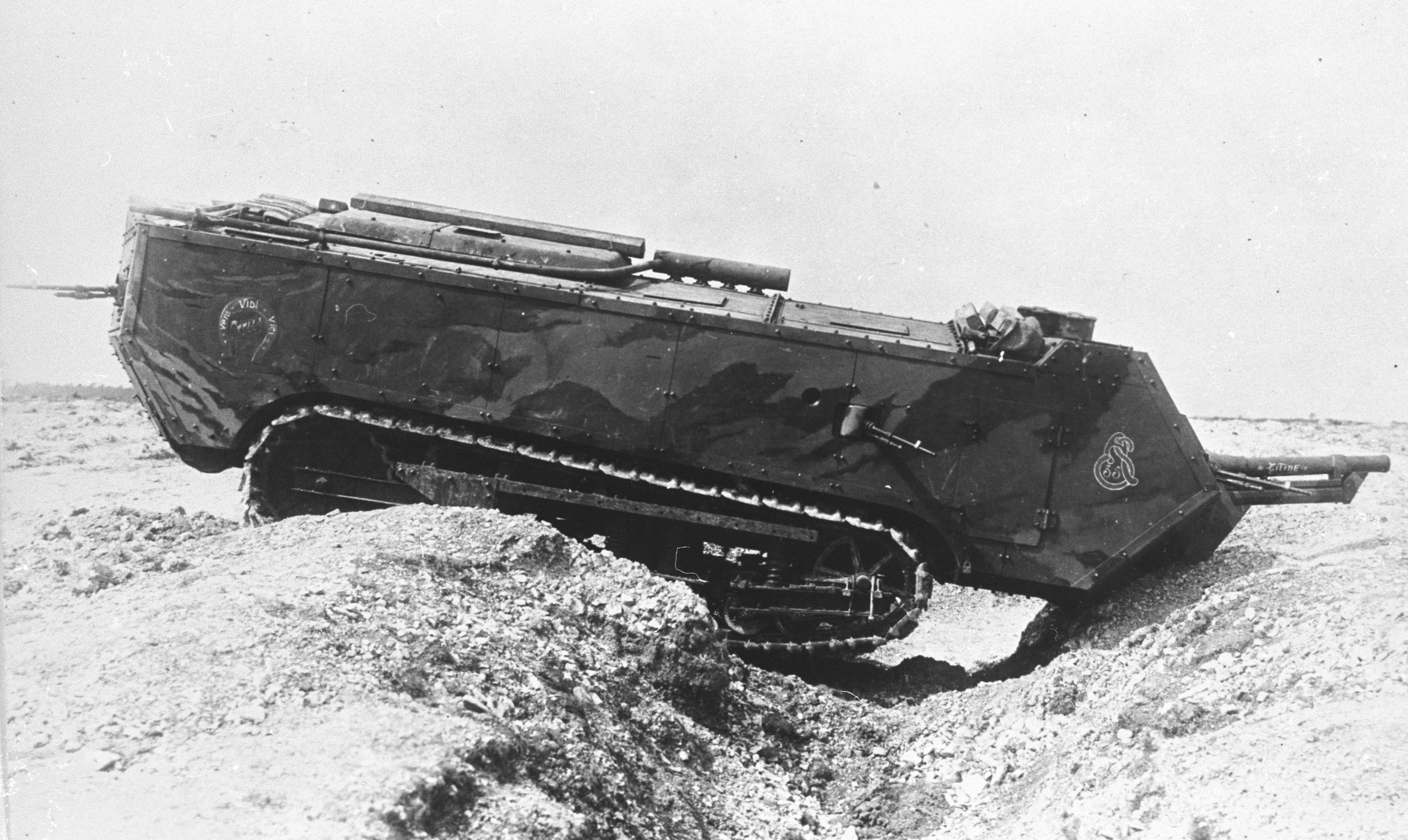 The first tanks of the First World War. Breakthrough in the technical equipment of the armies 2