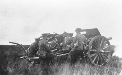 954 of these 18 pounder field guns were used at Amiens, and each was supplied with 600 rounds.